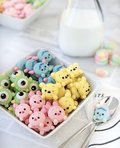 Disney Desserts, Cute Desserts, Disney Food, Dessert Recipes, Macarons, Macaron Cookies, Comida Disney, Kreative Desserts, Cute Baking