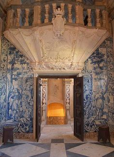 Chapel of castle, Estremoz, via Flickr.