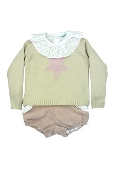 Paloma de la O - FW15. Three piece baby outfit: stars printed blouse, pink star sweater and pink corduroy bloomer shorts