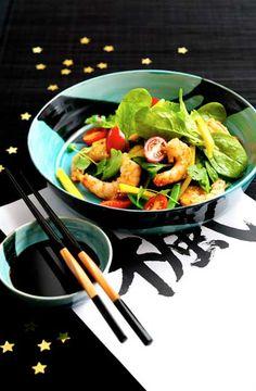 Asiatisk salat med tigerrejer, mango og sesamdressing - Kvickly