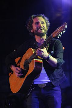 The most authentic music convention John Butler Trio, Men's Hairstyle, Artists, Sunset, Music, Musica, Male Hairstyles, Musik, Men Hair Styles