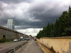 La chiamavamo estate questo grigio di nuvole e pioggia
