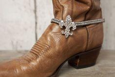 Fleur-de-lis Boot Bracelet - Silver - Classy Country