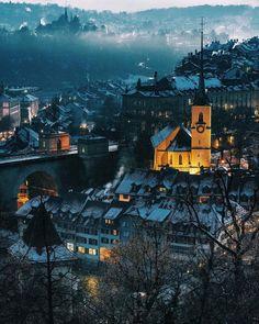 13 тыс. отметок «Нравится», 130 комментариев — Visit Switzerland 🇨🇭 (@visitswitzerland) в Instagram: «Don't miss this view when in Bern. Gorgeous shot by @npmalina ⠀ #visitswitzerland #rosengarten»