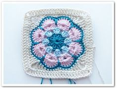 Pattern: Made in K-Town by Barbara     inspired by the African Flower Hexagon  by Lounette Fourie & Anita Rossouw      Please respect...