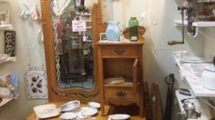 WOODEN HAT BOX DRESSER, DELA ER 988, FLORIDA AVE AND BOOTH 17 AT THE BRASS ARMADILLO IN GRAIN VALLEY, MO. SHIPPING IS AVAILABLE FOR AN ADDITIONAL FEE.
