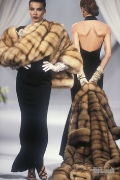 Image from object titled 'Christian Dior, Autumn-Winter Couture' Dior Fashion, 80s Fashion, Runway Fashion, Vintage Fashion, Vintage Dior, Vintage Couture, Mode Vintage, Style Haute Couture, Dior Couture