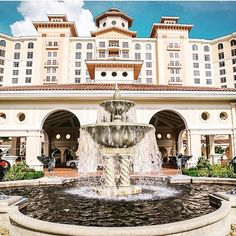 Have you booked your room yet for the 2016 #FWCon? The Food and Wine Conference is being held at Rosen Shingle Creek in beautiful, sunny Orlando Florida and the rooms book up fast! #Hotel #FoodBloggers #Blog