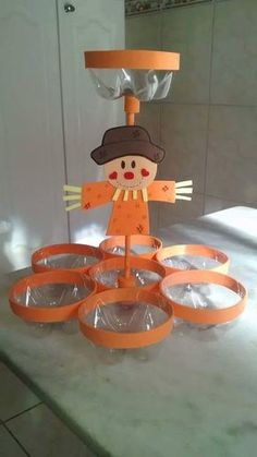 Discover thousands of images about reciclagem palitos sorvete porta guardanapos Fall Crafts, Halloween Crafts, Diy And Crafts, Crafts For Kids, Arts And Crafts, Paper Crafts, Plastic Bottle Crafts, Plastic Bottles, Recycled Bottles