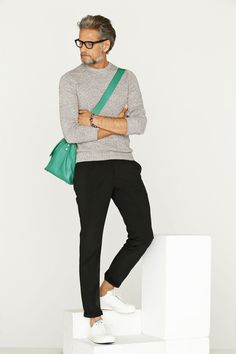 How to Wear Black Chinos looks & outfits) Casual Outfits, Men Casual, Fashion Outfits, Fashion Trends, Fashion Design, Men's Fashion, Fashion Sale, Classic Fashion, Paris Fashion