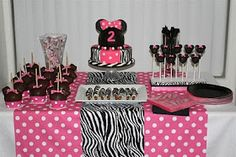 The birthday cake I am going to attempt to do for the girls birthday... gosh.... WISH ME LUCK!!!! :)