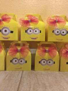 12 Despicable Me Girl Minions12-  Theme Party Favor Boxes-