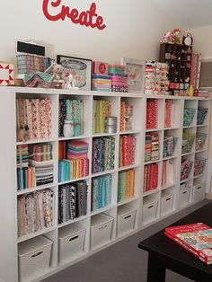 Sewing room ideas organizing small spaces fabric storage 49 ideas for 2019 Sewing Room Design, Sewing Room Storage, Craft Room Design, Sewing Spaces, Sewing Room Organization, Small Space Organization, Craft Room Storage, Fabric Storage, Studio Organization