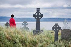 Croix Celtic - Inisheer (Inishoir) Iles d'Aran - Tourism Ireland Galway Ireland, Ireland Travel, Tourism Ireland, Aran, Wild Atlantic Way, Saint, Celtic, Irish, Pictures