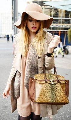 If you dont know how to wear a hat in a proper way, and want to be stylish then here is collection of fashion ideas on how to wear cute hats for women: Just a Cute hat and stylish outfit.