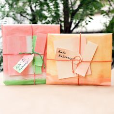 Amazing gift packaging (wrap, tape, ribbon, card, tag) inspired by summer fruits like watermelon and peach for your gifts. In Greek.