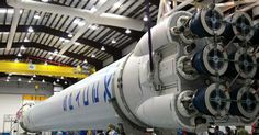 Space X's plan to launch the Falcon Heavy has been delayed until Apparently the company's schedule is too tight to support a test launch before the end of the year. When launched the Falcon Heavy will be the heaviest rocket since NASA's Satu. Elon Musk Spacex, Spacex Dragon, Spacex Falcon 9, Falcon 9 Rocket, Spacex Launch, Falcon Heavy, Rocket Engine, Delon, Federal