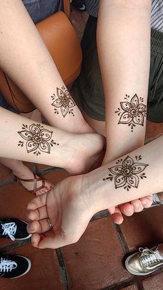 Henna by SaQeenah B-Burgos