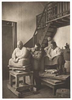 Man Ray: Gertrude Stein posing for Jo Davidson (1922)