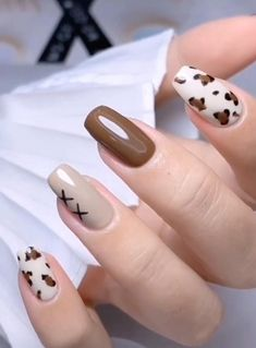 1. Christmas Nail Stickers - 380PCS 3D Metal Design Self-adhesive Nail This Christmas nail sticker contains: snowflakes, Santa Claus, Christmas tree, bells, elk, carriage and other Christmas and New Year themed patterns, making your nails more attractive in the holiday season. Whether it is professional or home use, it can be easily used. SEE DETAILS 2. 1000 Patterns Christmas Nail Art Sticker Decals Christmas fashion nail art stickers include a variety of classic Christmas style images… Edgy Nails, Stylish Nails, Swag Nails, Edgy Nail Art, Simple Acrylic Nails, Simple Nails, Simple Nail Arts, Cow Nails, Nagellack Design