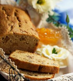 Quick bread loaves are easy to make, easy to freeze and easy to serve with just about any meal. Try our recipes for classic banana bread or variations like peach bread, triple-chocolate bread, blueberry-lemon bread, pumpkin bread and more. Banana Nut Bread Easy, Banana Bread Recipes, Banana Nut Bread Recipe Using Self Rising Flour, Peach Bread, Lemon Bread, Best Brunch Recipes, Favorite Recipes, Quick Bread, Sweet Bread
