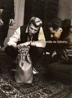 Johnny Hallyday et la passion de ses fans. Johnny et Jean de Gribaldy60 Idole, Fans, Fiction Writing, My Images, Backdrops, Museum, Portrait, Dd, Montreal Qc