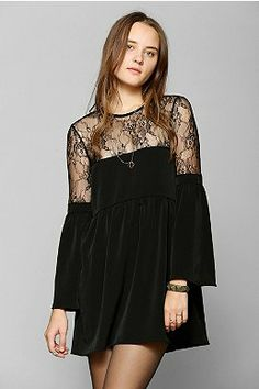 Oh My Love Lace-Top Bell-Sleeve Dress - Urban Outfitters Dress Outfits, Casual Dresses, Short Dresses, Fashion Dresses, Dress Skirt, Lace Dress, Frack, Bell Sleeve Dress, Sleeved Dress