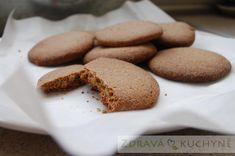 DOMÁCÍ CELOZRNNÉ PIŠKOTY Crackers, Cooking Tips, Sweet Tooth, Food And Drink, Sweets, Bread, Homemade, Cookies, Baking