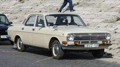 В конце 1985 года появился гибрид старой ГАЗ-24 и ГАЗ-3102, «временная» Волга ГАЗ-24-10. - Commons.wikimedia.org