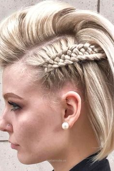 You need to see these simple braids for short hair we have collected. They are t…  You need to see these simple braids for short hair we have collected. They are the perfect upgrade of your short hair and the look you get is dazz ..  http://www.tophaircuts.us/2017/06/16/you-need-to-see-these-simple-braids-for-short-hair-we-have-collected-they-are-t/