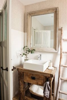 Amazing And Gorgeous Bathroom Decoration Ideas You Must Love; Gorgeous Bathroom, Salvaged Furniture, Diy Kitchen Decor, Vanity, Bathroom Vanity, Bathroom, Bathrooms Remodel, Bathroom Design, Bathroom Decor