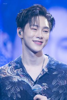 Let me die first! I can't live twice after you ❤ Kwon Hyunbin, Kim Dong, Hyun Bin, My Daddy, Yg Entertainment, Kpop Boy, Boyfriend Material, Future Husband, South Korea