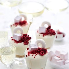 This simple recipe for Champagne Cheesecake is perfect for ringing in the New Year. Serve it in footed dessert glasses or stemware for an elegant touch. Desserts In A Glass, Gourmet Desserts, Just Desserts, Dessert Blog, Dessert Cups, Cheesecake Cups, Cheesecake Recipes, Cake Mix Recipes, Dessert Recipes