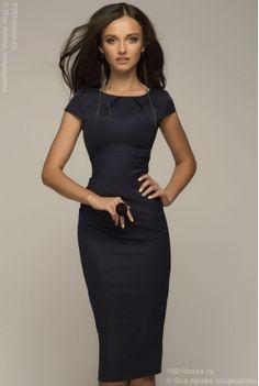 Недорогое синее платье-футляр с принтом гусиная лапка и черной вставкой на спинке в интернет-магазине 1001 DRESS