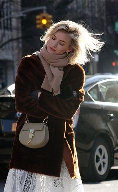 Zanita Whittington outside for Rebecca Minkoff Show |  © Clara Ungaretti
