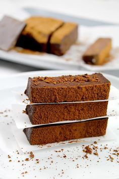 Donkey and the Carrot: Flourless, Bakeless, Truffle Chocolate cake! Σοκολατένιο κέικ χωρίς αλεύρι και χωρίς ψήσιμο!