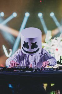 Marshmello Wallpapers - Click Image to Get More Resolution & Easly Set Wallpapers Hd Wallpapers For Mobile, Gaming Wallpapers, Mobile Wallpaper, Cute Wallpapers, Phone Screen Wallpaper, Music Wallpaper, Wallpaper Downloads, Iphone Wallpaper, 480x800 Wallpaper