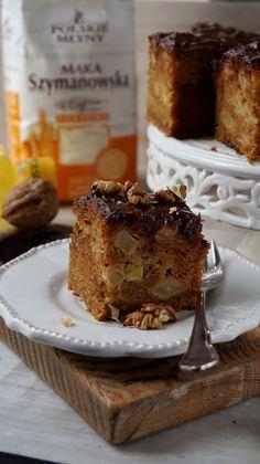 Ciasto marchewkowe wpisało się już na stałe na listy słodkich wypieków. Ja proponuję wersję z jabłkami, które nie tylko dodają smaku ale ró...
