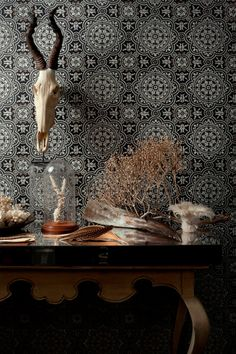 'Piccadilly' wallpaper at Cole & Son