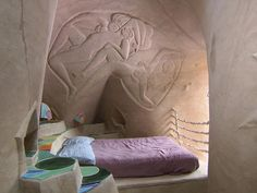 Ra Paulette hand carved cave bedroom http://www.cbsnews.com/pictures/ra-paulettes-caves/12/