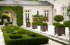 With sculptured shrubbery, precise lawns and tidy borders, a groomed garden brings a sense of style and order to a home. Garden Landscape Design, Landscape Architecture, Garden Landscaping, Landscaping Design, Abstract Landscape, Outdoor Rooms, Outdoor Gardens, Outdoor Living, Formal Gardens