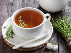 REMEDIES FOR CHEST CONGESTION Here's a quick and simple thyme tea recipe to try. Thyme helps with congestion, chest colds, mucus, and has been used for bronchitis and other illnesses. Chest Congestion Remedies, Cough Remedies, Herbal Remedies, Natural Remedies, Thyme Tea, Fresh Thyme, Fresh Herbs, Psyllium, Decongestant