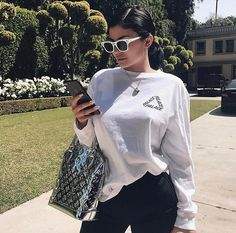 Kendall & Kylie Jenner style and news Kylie Jenner Outfits, Trajes Kylie Jenner, Kendall Y Kylie Jenner, Looks Kylie Jenner, Estilo Kylie Jenner, Kylie Jenner Style, Kylie Jenna, Tumblr Feed, Travis Scott