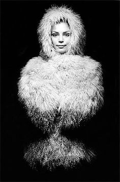 Photography by Jeanloup Sieff. S)