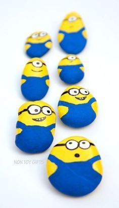 These painted Minion rocks or stones make a super cute and simple craft for all Minion fans out there: kids and parents. Super Cute, Painted Rocks, Coasters, Painted Stones