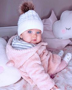 baby boy names 2018 So Cute Baby, Cute Baby Girl Images, Baby Girl Pictures, Cute Baby Pictures, Baby Kind, Cute Baby Clothes, Cute Kids, Cute Babies, Baby Baby