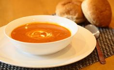 One-step, lower-sodium tomato soup ready in minutes! Quick Dinner Recipes, Lunch Recipes, Fall Recipes, Healthy Recipes, Epicure Recipes, Vegetarian Menu, Gluten Free Menu, Soup And Sandwich, Tomato Soup