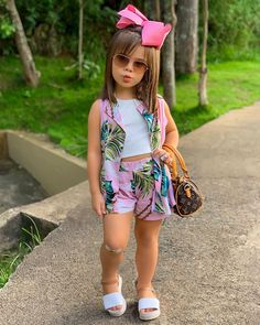 African Dresses For Kids, Little Girl Outfits, Little Girl Fashion, Little Girl Dresses, Kids Outfits, Girls Fashion Clothes, Toddler Fashion, Kids Fashion, Girls Frock Design