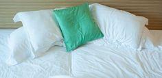 De acordo com um estudo realizado pela Escola de Arquitetura da Kingston University, em Londres, não arrumar a cama faz bem para a saúde.