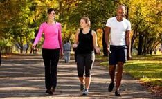 Whether you are new to exercise or already in shape, brisk walking is a great form of exercise. As one of the most performed exercise forms, brisk walking involves no special equipment, just a good pair of walking shoes. Walking Training, Walking Exercise, Walking Workouts, Power Walking, Brisk Walking, Fatigue Causes, Adrenal Fatigue, Cholesterol Levels, High Cholesterol